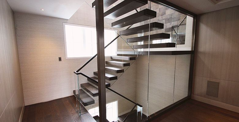 canal-cantilever-floating-staircase-design-c
